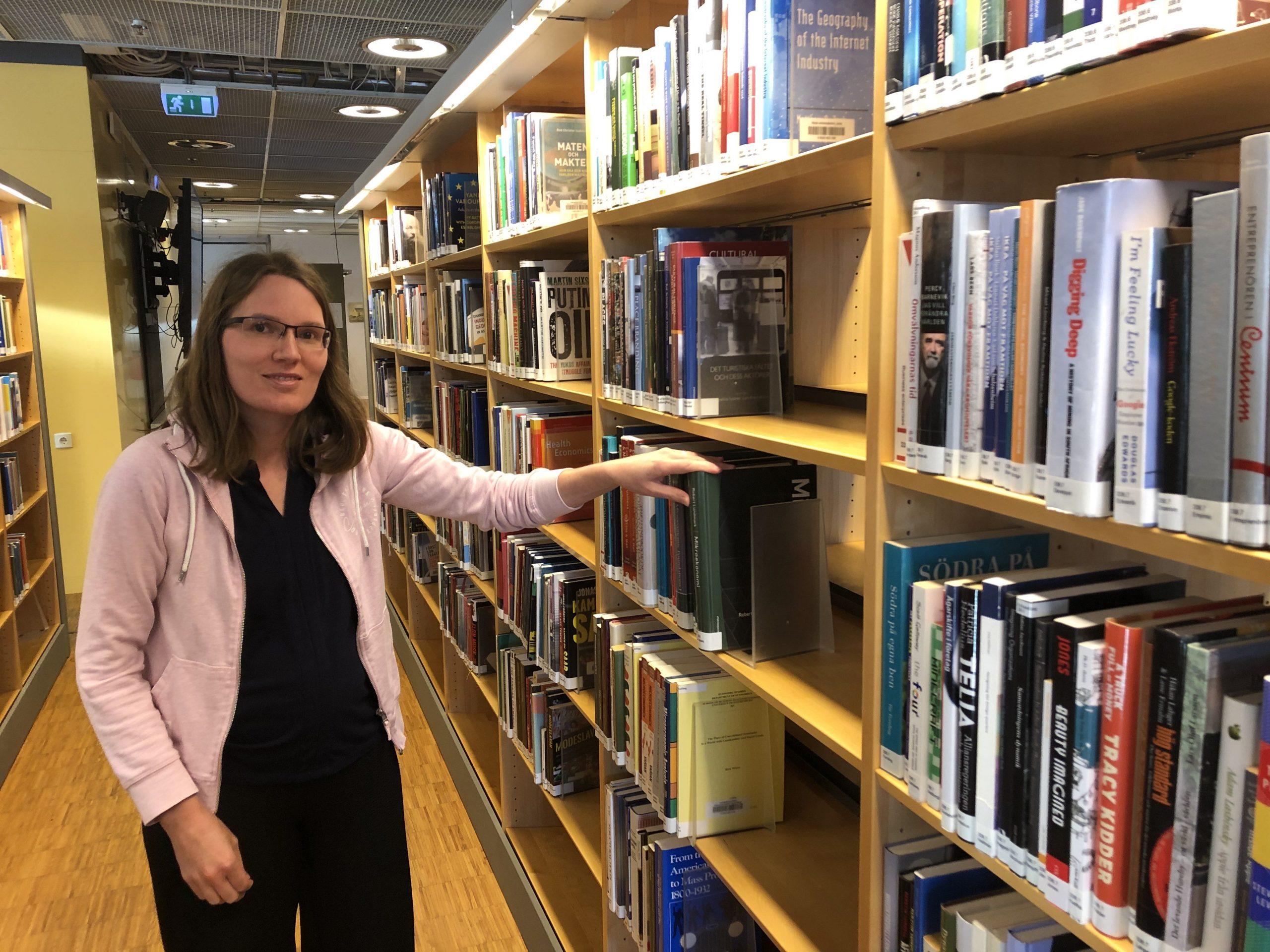 Ann Elofsson är forskarstuderande med fokus på klimatfrågor och är engagerad i såväl Refarm Linné som Naturskyddsföreningen. Hon anser att folkbildning i miljöfrågor behövs i samhället.